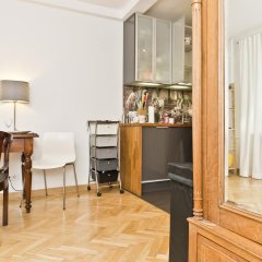 Апартаменты Cozy Apartment Old Town Варшава гостиничный бар