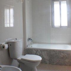 Отель Apartamentos Turísticos Cabo Roche Испания, Кониль-де-ла-Фронтера - отзывы, цены и фото номеров - забронировать отель Apartamentos Turísticos Cabo Roche онлайн ванная фото 2