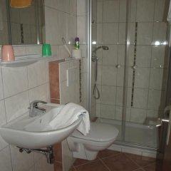Отель Gastehaus Hubertus 3* Стандартный номер с двуспальной кроватью фото 7