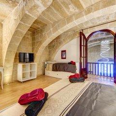 Отель Waterfront Valletta House сауна
