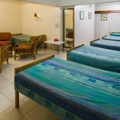 Nadi Bay Resort Hotel 3* Кровать в общем номере фото 4