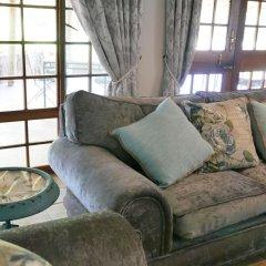Отель Waterside Cottages Габороне комната для гостей фото 3