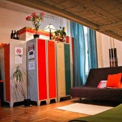 Hostel Budapest Center Стандартный номер с двуспальной кроватью