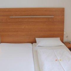 Отель Ambert Berlin (только для женщин) Берлин сейф в номере
