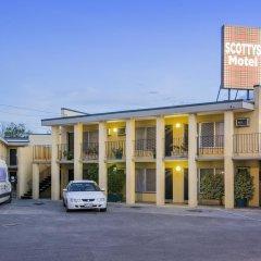 Отель Scottys Motel парковка