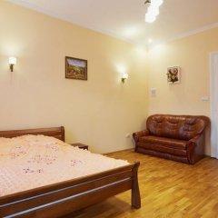 Гостиница Weekend in Lviv комната для гостей