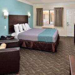 Отель Rodeway Inn & Suites LAX 2* Стандартный номер с различными типами кроватей фото 2