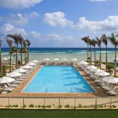 Отель Hilton Rose Hall Resort and Spa Ямайка, Монтего-Бей - отзывы, цены и фото номеров - забронировать отель Hilton Rose Hall Resort and Spa онлайн бассейн