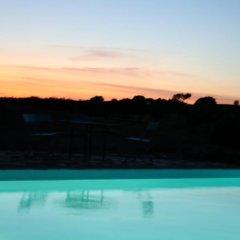 Отель Herdade do Monte Outeiro - Turismo Rural бассейн фото 2