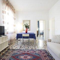 Апартаменты Venice Apartments San Samuele Венеция комната для гостей фото 5