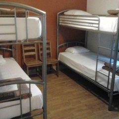 Brussels Louise Hostel Кровать в общем номере с двухъярусной кроватью фото 3