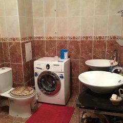 Гостиница Golden Ball Hostel Казахстан, Нур-Султан - отзывы, цены и фото номеров - забронировать гостиницу Golden Ball Hostel онлайн ванная
