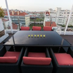 Отель Charming Penthouse with Private Terrace Лиссабон гостиничный бар