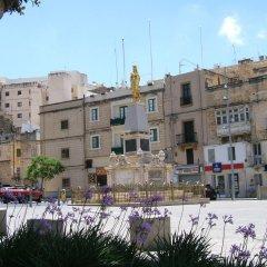 Отель Three Cities Apartments Мальта, Гранд-Харбор - отзывы, цены и фото номеров - забронировать отель Three Cities Apartments онлайн приотельная территория фото 2