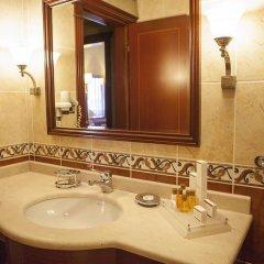 Bilek Istanbul Hotel Турция, Стамбул - 1 отзыв об отеле, цены и фото номеров - забронировать отель Bilek Istanbul Hotel онлайн ванная фото 2