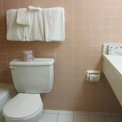 Отель Toronto Plaza Hotel Канада, Торонто - отзывы, цены и фото номеров - забронировать отель Toronto Plaza Hotel онлайн ванная