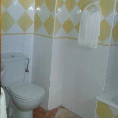 Отель Hostal Los Valencianos ванная