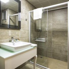 Perla Arya Hotel ванная