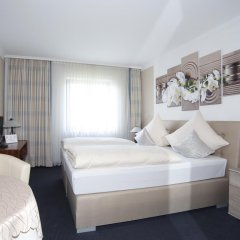Hotel Garni Zum Gockl Унтерфёринг комната для гостей фото 4