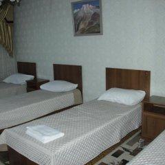 Hostel Inn Osh Кровать в общем номере с двухъярусной кроватью фото 3