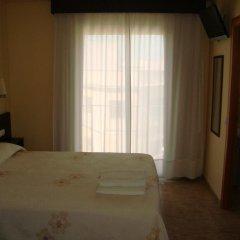 Отель Hostal Sant Sadurní Стандартный номер с двуспальной кроватью фото 5