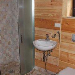 Отель Akmenine Rezidencija Литва, Тракай - отзывы, цены и фото номеров - забронировать отель Akmenine Rezidencija онлайн ванная фото 2