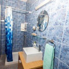 Отель Gold Sand Villa Кипр, Протарас - отзывы, цены и фото номеров - забронировать отель Gold Sand Villa онлайн ванная