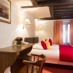 Отель Hôtel Saint Roch 2* Улучшенный номер с 2 отдельными кроватями фото 2