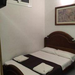 Отель Hostal Mont Thabor Номер категории Эконом с различными типами кроватей фото 17