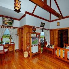 Отель Myanmar Treasure Resort Inle 4* Номер Делюкс с различными типами кроватей фото 8