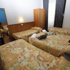 Hotel Brasil Milan Стандартный номер с различными типами кроватей (общая ванная комната) фото 3