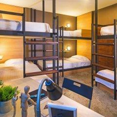 Отель Srisuksant Square Кровать в общем номере с двухъярусной кроватью