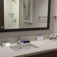 Отель Best Western Plus LaGuardia Airport Hotel Queens США, Нью-Йорк - отзывы, цены и фото номеров - забронировать отель Best Western Plus LaGuardia Airport Hotel Queens онлайн ванная фото 2