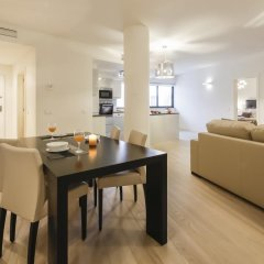 Апартаменты Lisbon Inside Connect — Santa Catarina 26 Apartments комната для гостей фото 3