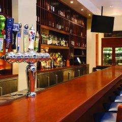 Отель Hilton Suites Chicago/Magnificent Mile гостиничный бар