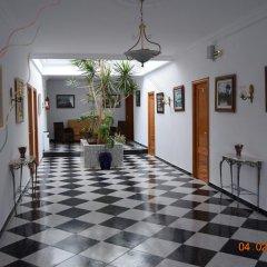 Отель Hostal Los Rosales Испания, Кониль-де-ла-Фронтера - отзывы, цены и фото номеров - забронировать отель Hostal Los Rosales онлайн интерьер отеля фото 2