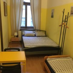 Hostel EMMA Стандартный номер с двуспальной кроватью (общая ванная комната) фото 12