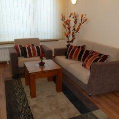 Апартаменты Cedar Lodge 3/4 Self-Catering Apartments Банско комната для гостей фото 2
