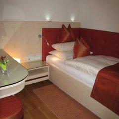Hotel Pension Baronesse 4* Стандартный номер с различными типами кроватей фото 10