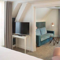 Отель Hôtel Dupond-Smith 5* Улучшенный номер с различными типами кроватей фото 4