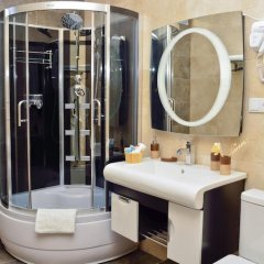Отель King David 3* Стандартный семейный номер с двуспальной кроватью фото 20