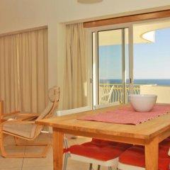 Отель Apartamentos Rocha Praia Mar Португалия, Портимао - отзывы, цены и фото номеров - забронировать отель Apartamentos Rocha Praia Mar онлайн комната для гостей фото 5