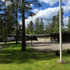 Отель Juhla & Kokoustila Haukilampi парковка
