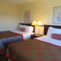 Отель Ramada Limited Calgary Northwest Канада, Калгари - отзывы, цены и фото номеров - забронировать отель Ramada Limited Calgary Northwest онлайн сейф в номере