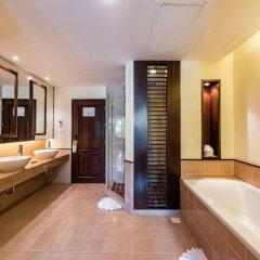 Отель Duangjitt Resort, Phuket 5* Номер Делюкс с двуспальной кроватью фото 3