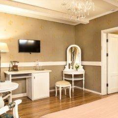 Historical Hotel Fortetsya Hetmana 4* Люкс с различными типами кроватей фото 4