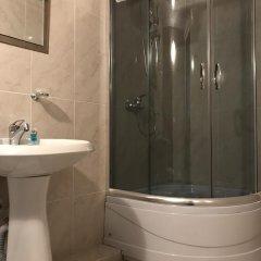 Отель B&B Old Tbilisi 3* Стандартный семейный номер с двуспальной кроватью фото 8