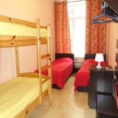 Хостел Бабушка Хаус Кровать в женском общем номере с двухъярусной кроватью фото 16