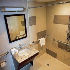 Отель Holiday Inn New York City - Times Square 3* Стандартный номер с различными типами кроватей фото 11