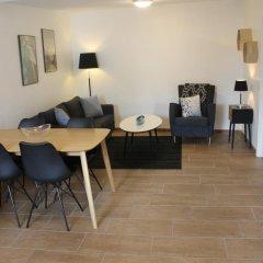 Апартаменты Amalie Bed and Breakfast & Apartments комната для гостей